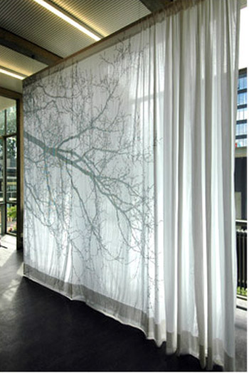 Decorar con cortinas